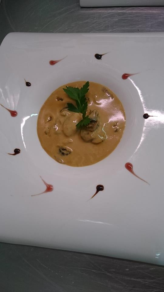 Cassolette d'escargots sauce au Maroilles